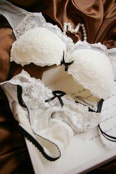 Fashion white deep V-neck lace bra underwear set women's thin noble bra $14.80