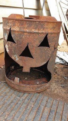 Fall Pumpkins, Halloween Pumpkins, Fall Halloween, Halloween Crafts, Happy Halloween, Halloween Decorations, Corte Plasma, Propane Tanks, Farmhouse Halloween