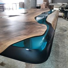 Walnut Wood Epoxy Resin Table - - DIY Furniture Couch Ideen - New epoxy web Epoxy Wood Table, Epoxy Resin Table, Diy Epoxy, Wood Tables, Diy Furniture Couch, Resin Furniture, Wooden Furniture, Woodworking Furniture Plans, Diy Woodworking