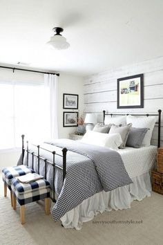 Savvy Southern Style : Gingham and Ticking Farmhouse Style Bedroom Without Spend.Savvy Southern Style : Gingham and Ticking Farmhouse Style Bedroom Without Spending a Dime Source by kan. Farmhouse Style Bedrooms, Farmhouse Master Bedroom, Country Farmhouse Decor, Cottage Farmhouse, Cottage Bedrooms, Farmhouse Ideas, Farmhouse Design, Farm Bedroom, Girls Bedroom