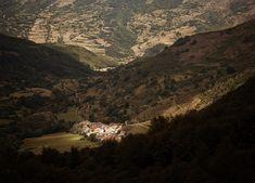 Santa Marina de Valdeón y Macizo Occidental del Parque Regional de Picos de Europa. León. Castilla y León. España. © Javier Prieto Gallego