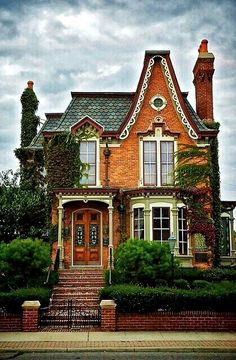 54 Ideas House Exterior Victorian Floor Plans For 2019 Beautiful Buildings, Beautiful Homes, Arquitectos Zaha Hadid, Cute House, Tiny House, Cottage House, Cottage Living, Old Houses, My Dream Home