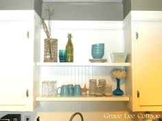 Shelving on empty space between cabinets