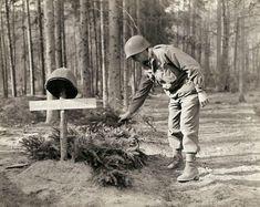 O neto do general americano Charles Palmer publicou recentemente seu acervo pessoal de fotos anteriormente confidenciais da Segunda Guerra Mundial