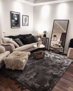 First apartment decorating - 48 cozy farmhouse living room decor ideas that make you feel in village 28 Living Room Decor Cozy, Small Living Rooms, Home And Living, Living Room Designs, Modern Living, Living Room Decor Small Apartment, Bachelor Apartment Decor, Cow Hide Rug Living Room, Small Living Room Ideas On A Budget