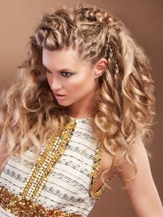 Romantic Hairstyles for Valentine's Day.  Okay, so we know that finding the perfect hairstyle for Valentine's Day can sometimes be a challenge. However, you don't have to opt for severe and super-polished 'dos. Choose instead something pretty without looking that you've tried too hard. A chic and sultry half up/half down can certainly be a great pick.  Hair by Karine Jackson