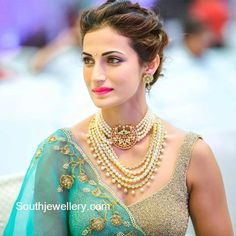 Shilpa Reddy in Pearls Choker and Haram - Indian Jewellery Designs Dainty Jewelry, Pearl Jewelry, Bridal Jewelry, Gold Jewellery, Jewlery, Crystal Jewelry, Diamond Jewelry, Pearl Necklaces, Modern Jewelry