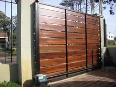 rejas-cerramientospergolas-herreria-en-gral-16504-MLU20122578016_072014-O.jpg (500×374)