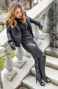 Modeling my High-Rize leather thigh boots and coordinating fashions. Black Leather Gloves, High Leather Boots, Leather Pants, Leather Fashion, Fashion Boots, Crotch Boots, Leder Outfits, Sexy Boots, Fashion Images
