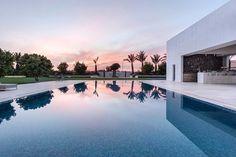 "93 Likes, 2 Comments - 🌴🏡🏝Luxurious Modern Houses (@luxuriousmodernhouses) on Instagram: ""Minimalist- House in Shfela by Hila Israelevitz Architects…"""