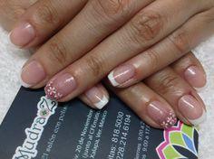 Diseño: Mudra Zafir.  Material: gel polish    Ven al nail bar especializado en polish.   Los mejores productos internacionales para que tus uñas luzcan ESPECTACULARES.   Citas: 818.50.30 y 228.214.6194.  Tenemos estacionamiento