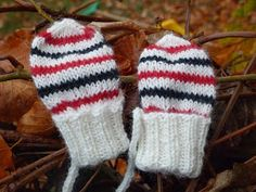 Ravelry: Lilly No-thumb Mittens pattern by Sofie Hillersand Baby Mittens, Knit Mittens, Knitted Hats, Baby Barn, Mittens Pattern, Baby Knitting Patterns, Knitting Ideas, Spoonflower, Winter Hats