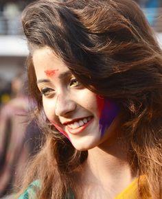 Dehati Girl Photo, Girl Photo Poses, Girl Photography Poses, Girl Photos, Beautiful Girl Photo, Beautiful Eyes, Amber Eyes Color, Holi Girls, Holi Pictures
