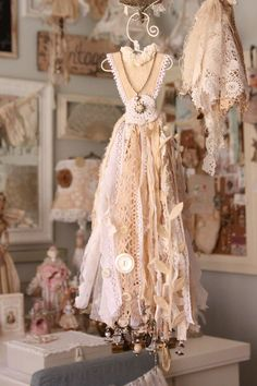 Would look great on a dress form Dress Form, The Dress, Little Dresses, Flower Girl Dresses, Dress Vestidos, Shabby Chic Crafts, Creation Deco, Cinderella Dresses, Fairy Dress