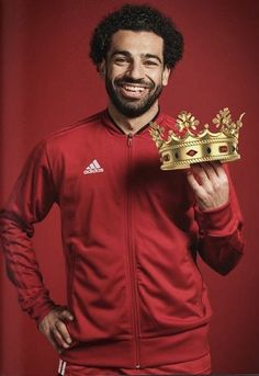 Mo Salah is the new crowned king of premier league Liverpool Fc, Liverpool Champions League, Liverpool Players, Liverpool Football Club, Football Soccer, Football Players, Premier League, Cristiano Ronaldo, Mohamed Salah Liverpool