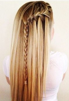 2015 Side Braid Hairstyles We continue to share the newest and most trendy hairstyles. Side Braid Hairstyles, Trendy Hairstyles, Straight Hairstyles, Teenage Hairstyles, Photos Of Hairstyles, Updo Hairstyle, Hair Color Highlights, Hair Colour, Homecoming Hairstyles