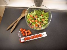 Cutting small fruit and berries can be difficult. The Slicy makes it extremely easy. Thanks to its ingenious construction you can cut in both directions - making you twice as fast. It´s compact and easy to clean. The blade is fantastically sharp. But no worries, it's concealed at all times for completely safe use. Guacamole, Berries, Mexican, Make It Yourself, Canning, Ethnic Recipes, Blade, Easy, Compact