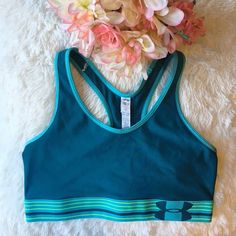 🛍ONLY if Bundled🛍 Under Armour Mid Bra 🛍ONLY if Bundled with 1+ regular priced items🛍* Compression: Ultra-tight, second skin fit. * Built for Mid-Impact support so you can stay fit & focused * Signature Moisture Transport System wicks sweat to keep you dry & light * Lightweight, 4-way stretch construction improves mobility & maintains shape * Classic pullover style with racer back design for enhanced range of motion * Super-soft jacquard elastic band delivers a custom, stay-put fit…
