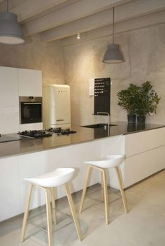All Americana e Minimal: 7 Cucine Praticamente Perfette! Cucina minimalista Arredo interni cucina Interior design