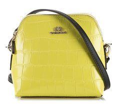 Żółta torebka przez ramię.