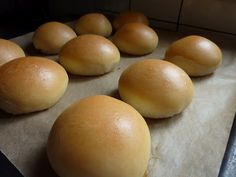 baked siopao (pork or chicken filled buns) Baked Siopao Recipe, Siopao Asado Recipe, Siopao Dough Recipe, Filipino Recipes, Filipino Food, Pinoy Food, Filipino Dishes, Filipino Desserts, Gastronomia