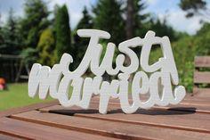 """Schriftzug für die Hochzeit """"Just married"""" / white 3d typo for the wedding, love words by LuCo via DaWanda.com"""