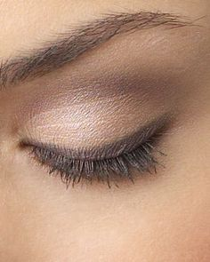 Love neutral eyeshadow.