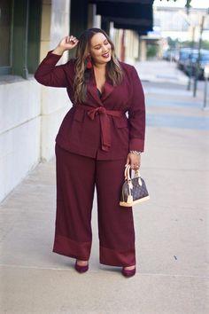 Stylish Plus-Size Fashion Ideas – Designer Fashion Tips Plus Size Suits, Look Plus Size, Plus Size Model, Plus Size Dresses, Plus Size Fashion Dresses, Plus Zise, Mode Plus, Look Office, Plus Size Fashionista
