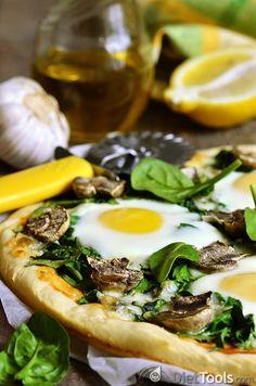 Egg Mushroom & Spinach Pizza
