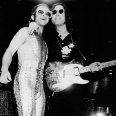 November 28, 1974 - John Lennon made his last ever concert appearance when he joined Elton John on stage at Madison Square Gardens in New York City. Lennon performed three songs; 'Whatever Gets You Thru The Night', 'I Saw Her Standing There' and 'Lucy In The Sky With Diamonds.' •• #johnlennon #thisdayinmusic #1970s #eltonjohn #madisonsquaregarden #concert #msg #nyc