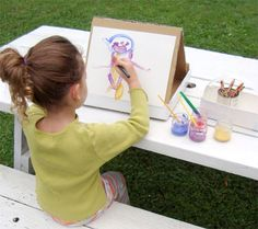 How to set up a portable art studio. Can't wait to paint outside when it's warm again!
