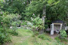 cozy garden shelter