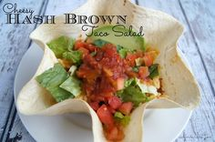 Cheesy Hashbrown Taco Salad Recipe Beef Recipes For Dinner, Family Recipes, Lunch Recipes, Paleo Recipes, Family Meals, Appetizer Recipes, Yummy Recipes, Great Recipes, Cooking Recipes