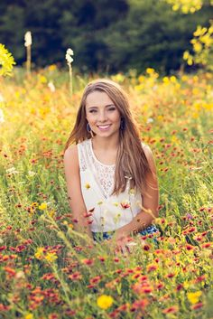 Photography Flowers Portrait Girl Poses Ideas For 2019 Senior Photos Girls, Senior Girl Poses, Senior Picture Outfits, Senior Girls, Senior Session, High School Graduation Picture Ideas, Senior Pictures Water, Natural Senior Pictures, Senior Picture Poses
