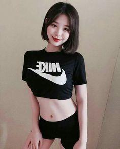 Dream Bodies, Ulzzang Korean Girl, Perfect Body, Asian Beauty, Short Hair Styles, Feminine, Crop Tops, Sexy, Face
