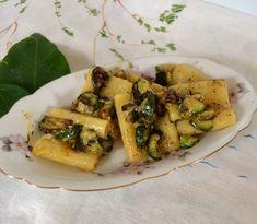 Paccheri zucchine cacio e pepe Best Pasta Recipes, Healthy Recipes, Zucchini, Pesto, Gnocchi, Waffles, Spaghetti, Food Porn, Cooking