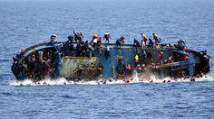Nou naufragi al Mediterrani #Imatges #Embarcació #Nens #Adolescents #Costa #Líbia #Balcans #Líbia #Itàlia  Fotògraf/a: AFP