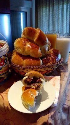 Κρουασάν αφράτα με μερέντα !!! ~ ΜΑΓΕΙΡΙΚΗ ΚΑΙ ΣΥΝΤΑΓΕΣ 2 Bread Art, Breakfast Time, Sweet Life, Bread Recipes, Sweet Recipes, French Toast, Bakery, Deserts, Food Porn