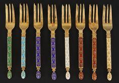 8 gafler i forgylt 925s og emalje, Tostrup. L:13cm Tilslag: 2.600,00 kr