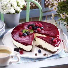 Beeren-Schmand-Torte mit Knusperboden Rezept