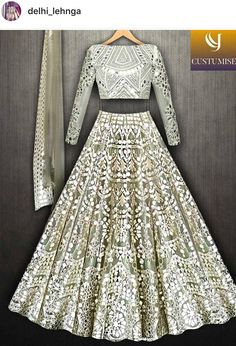 Pinterest • @KrutiChevli Indian Wedding Wear, Indian Bridal Outfits, Indian Bridal Lehenga, Indian Gowns, Indian Designer Outfits, Pakistani Outfits, Indian Attire, Indian Wear, Moda Indiana