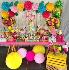 Linda decor tropical by Flamingo Birthday, Luau Birthday, Flamingo Party, 1st Birthday Parties, Luau Theme Party, Aloha Party, Birthday Party Decorations, Tropical Party, Teen Kids