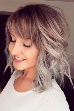 Silver gray ombre hair color ideas for short hair managed to supplant the burning red, cold blue and extravagant purple hair dye. This shade is quite, Hair Color frisuren frauen frisuren männer hair hair styles hair women Grey Ombre Hair, Dyed Hair Purple, Short Hair With Bangs, Short Hair Cuts, Medium Length Hair With Layers And Side Bangs, Hairstyles For Medium Length Hair With Bangs, Medium Haircuts With Bangs, Shoulder Length Hair With Bangs, Short Ponytail