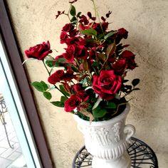 【インテリア、華やかな真っ赤なバラのアートフラワー】