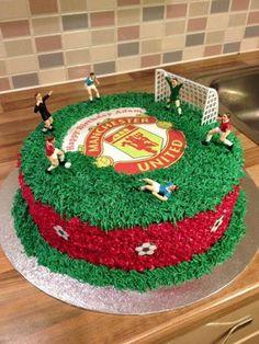 Fitness gift ideas [for beginners and freaks] Soccer Birthday Cakes, Football Birthday, Soccer Cakes, Fondant Cakes, Cupcake Cakes, Cupcakes, Manchester United Birthday Cake, Novelty Cakes, Cake Creations