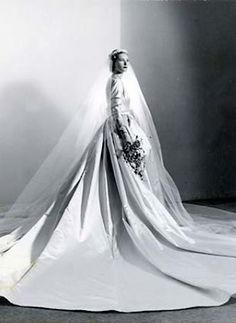 Nan Kempner on her wedding day at the St. Francis Hotel in San Francisco, 1952