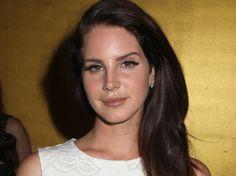 Lana Del Rey a été forcée d'annuler tous ses prochains concerts européens pour raisons de santé, comme l'a expliqué son label, Polydor/Universal. Interview, Concerts, Comme, Lana Del Rey, Dancing With The Stars, Concert, Festivals