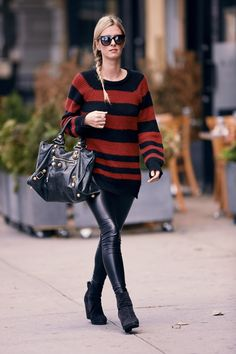Get the look  Το φθινοπωρινό look της Nicky Hilton -JoyTV Black Leather  Pants d957848175d
