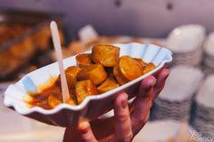Kleiner Hunger? Eine Currywurst als Snack zwischendurch in Berlin http://blog.eventsofa.de/top-10-catering-service-anbieter-in-deutschland/ #Berlin #Catering #Currywurst #Snack #Event