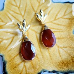 These vintage carnelian drop earrings are available in my etsy shop. Snag the last pair now!